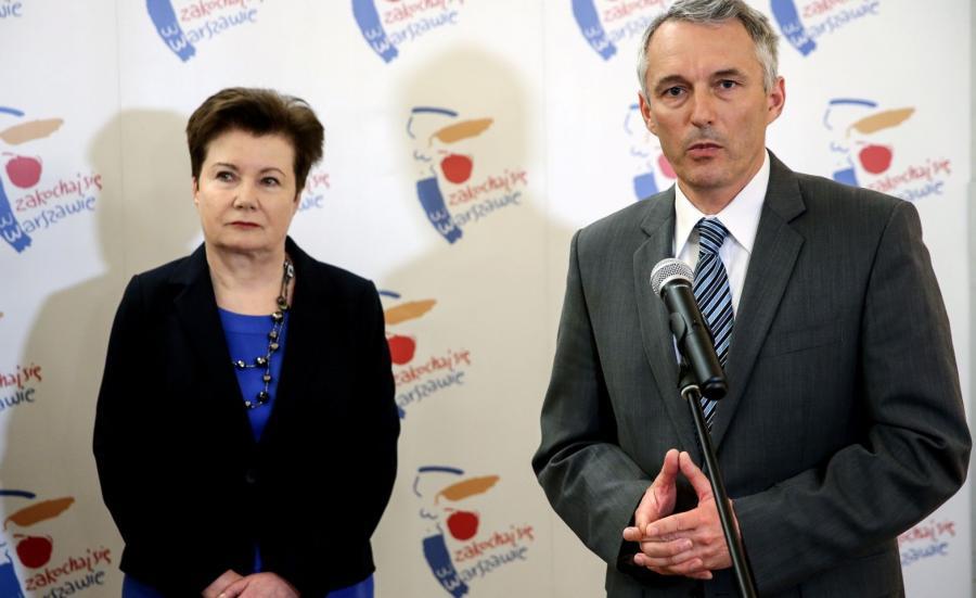 Prezydent Warszawy Hanna Gronkiewicz-Waltz (L) oraz radny Warszawy Paweł Lech (P)