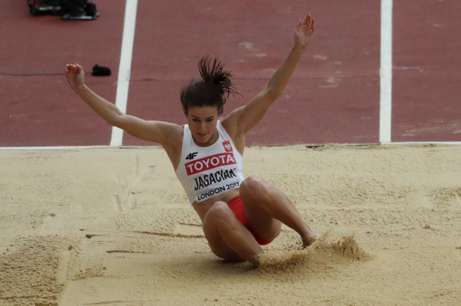 Anna Jagaciak-Michalska podczas konkursu w trójskoku