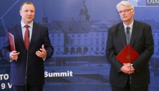 Minister spraw zagranicznych Witold Waszczykowski (P) i prezes TVP Jacek Kurski (L),
