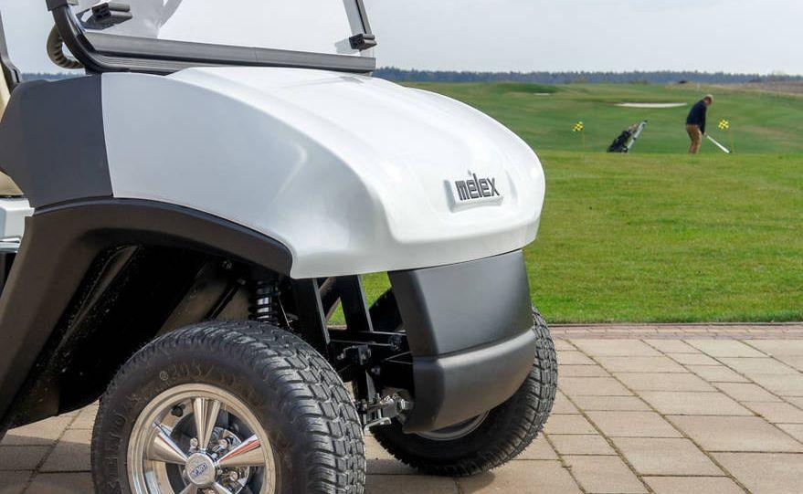 Pierwsze pojazdy produkowane w Mielcu trafiały właśnie na pola golfowe i choć dziś Melex oferuje ponad 100 różnych modeli pojazdów, to w świadomości wielu osób nadal kojarzy się z wózkami golfowymi