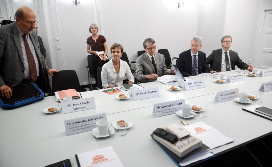 Członkowie Komisji Weneckiej podczas wizyty w Polsce w 2016 roku