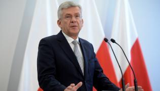 Marszałek Senatu Stanisław Karczewski podczas konferencji prasowej poprzedzającej posiedzenie Senatu.