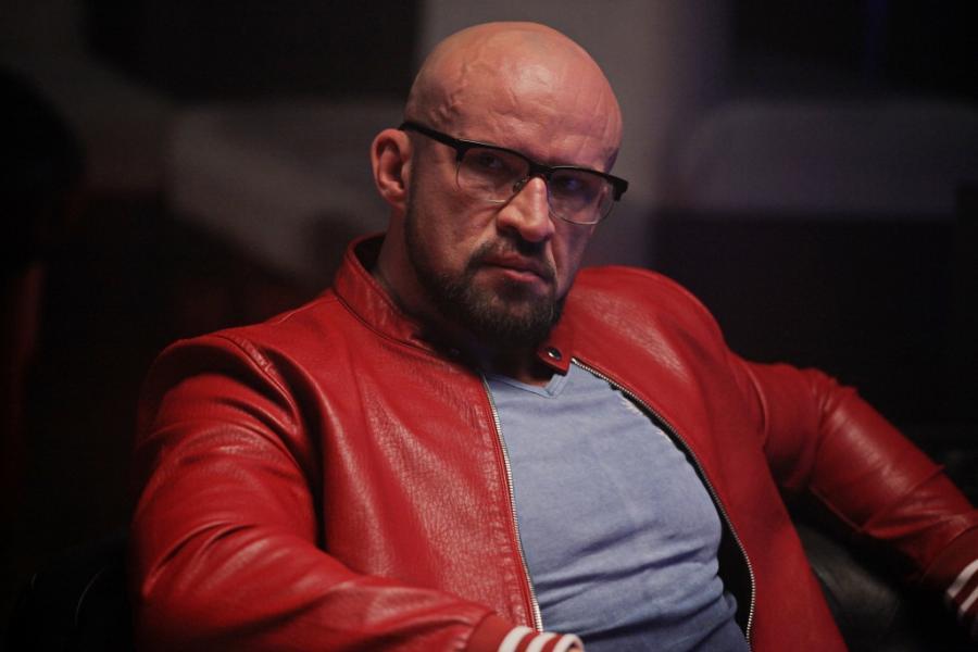 """Tomasz Oświęciński w filmie Patryka Vegi """"Kobiety mafii"""""""