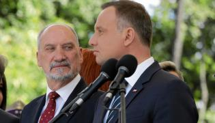 Prezyedent i szef MON spierają się o generała Kraszewskiego