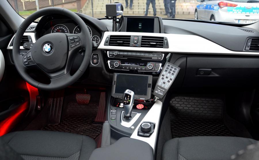 Zestaw 140 bawarskich aut dla policji wyceniono na 27 mln zł