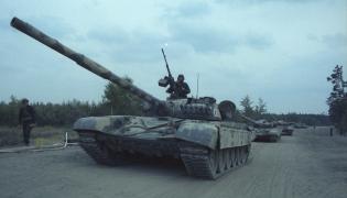Czołg T-72 na poligonie w Drawsku Pomorskim - 89 r.