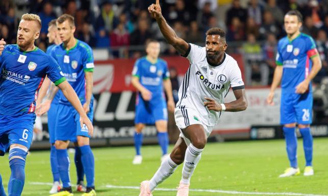 Ekstraklasa: Legia na zwycięskiej ścieżce. Cafu bohaterem meczu z Miedzią