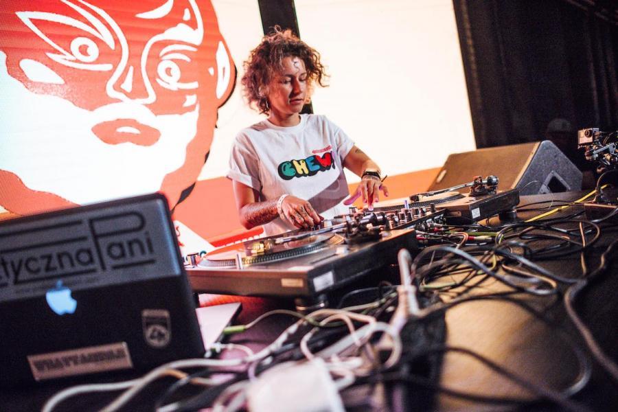 DJ Praktyczna Pani