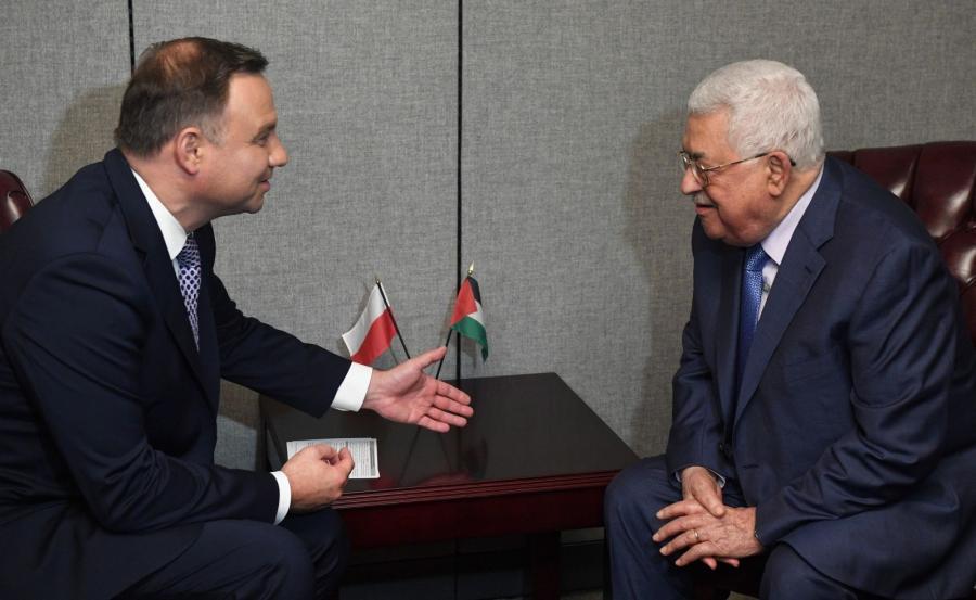 Prezydent RP Andrzej Duda (L) i prezydent Autonomii Palestyńskiej Mahmud Abbas (P)