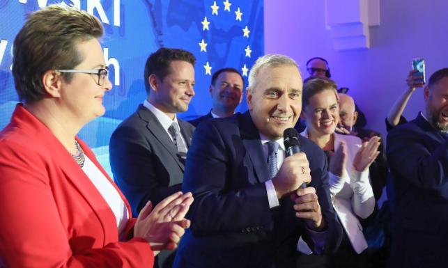Schetyna chce utrzymać koalicję z Lubnauer i Nowacką na kolejne wybory.