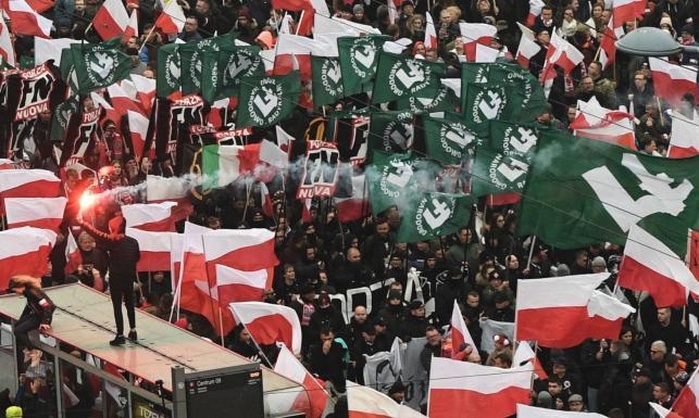 Szef KPRM bagatelizuje incydenty na marszu: Nie było żadnych rasistowskich banerów, było ćwierć miliona Polaków
