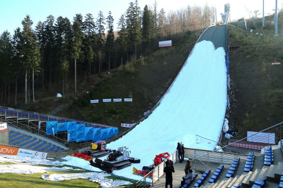 Na skoczni im. Adama Małysza w Wiśle trwają przygotowania do konkursu Pucharu Świata w skokach narciarskich