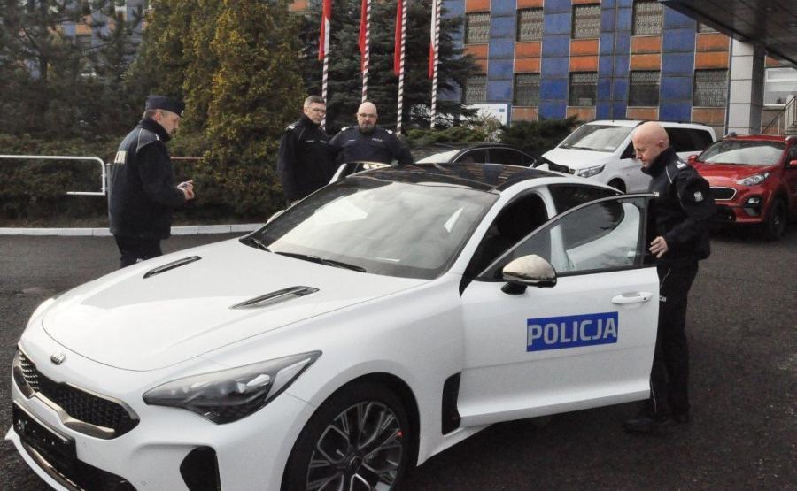 Nowe radiowozy osobiście testował Komendant Główny Policji gen. insp. Jarosław Szymczyk