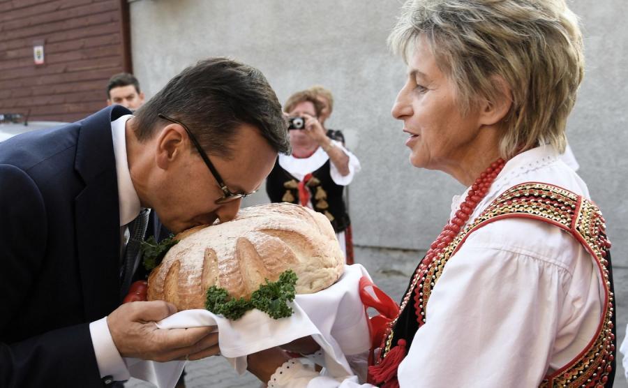 Mateusz Morawiecki na spotkaniu z kołem gospodyń wiejskich