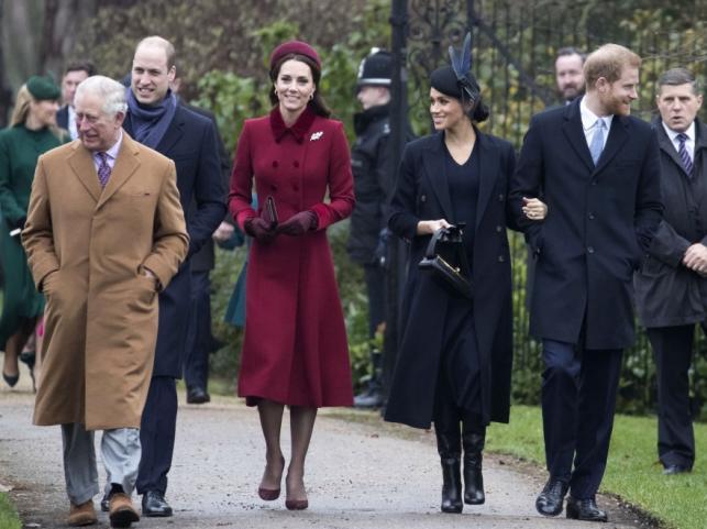 Książę Karol, książę William i księżna Catherine oraz księżna Meghan i książę Harry