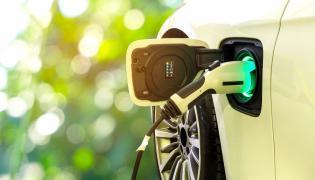 Hybryda czy e-samochód? A może wodór?