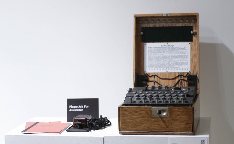 Niemiecka maszyna szyfrująca Enigma
