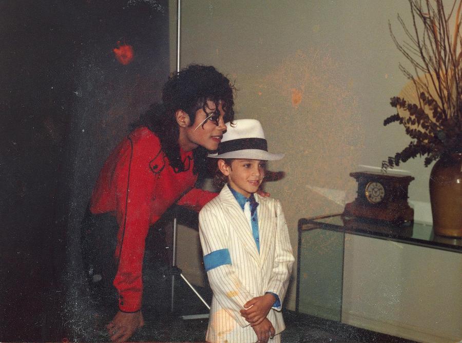 Michael Jackson i Wade Robson. Kadr z filmu \