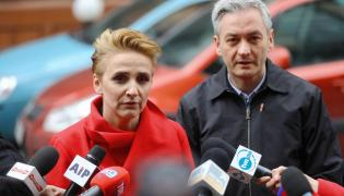 Lider partii Wiosna Robert Biedroń i posłanka Joanna Scheuring-Wielgus