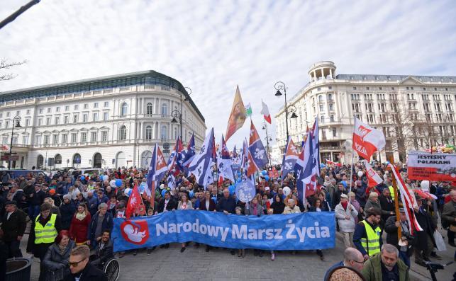 katolicki marsz w Warszawie