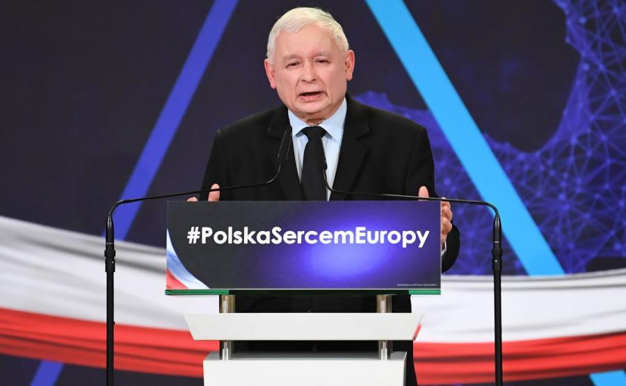 Prezes PiS Jarosław Kaczyński przemawia podczas konwencji regionalnej PiS w Lublinie