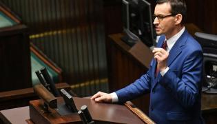 Premier Mateusz Morawiecki na mównicy sejmowej. Sejm rozpatruje rządowy projekt ws. zaostrzenia kar za pedofilię