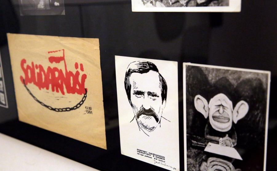Plakaty i druki ulotne na wystawie Od oporu do wyboru