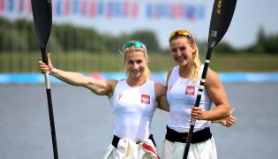 Karolina Naja (L) i Helena Wiśniewska (P)