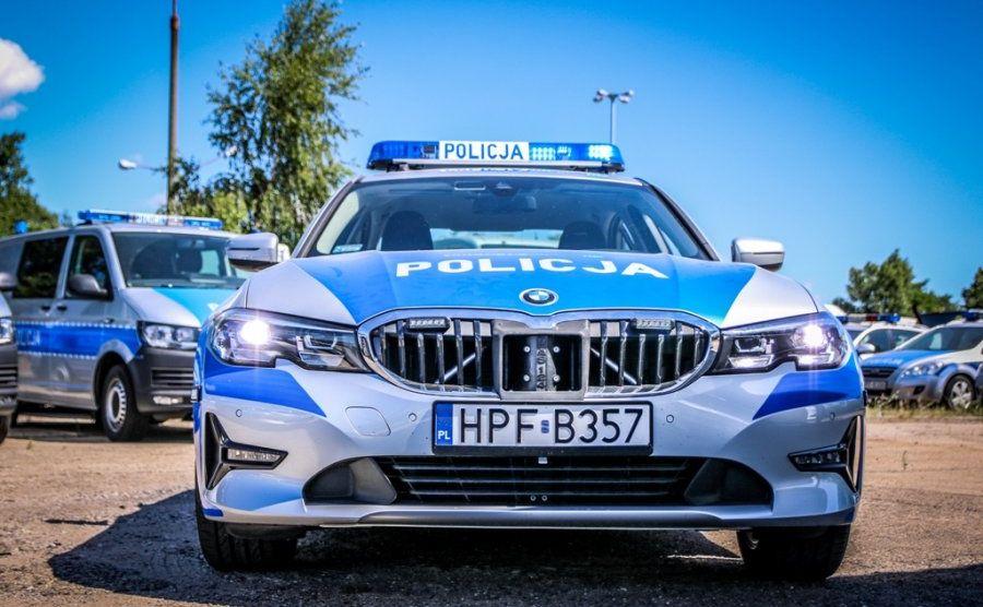 W przypadku 51 sztuk oznakowanych BMW serii 3 sedan to pierwszy raz w historii, kiedy samochody tej marki dostaną barwy polskiej policji