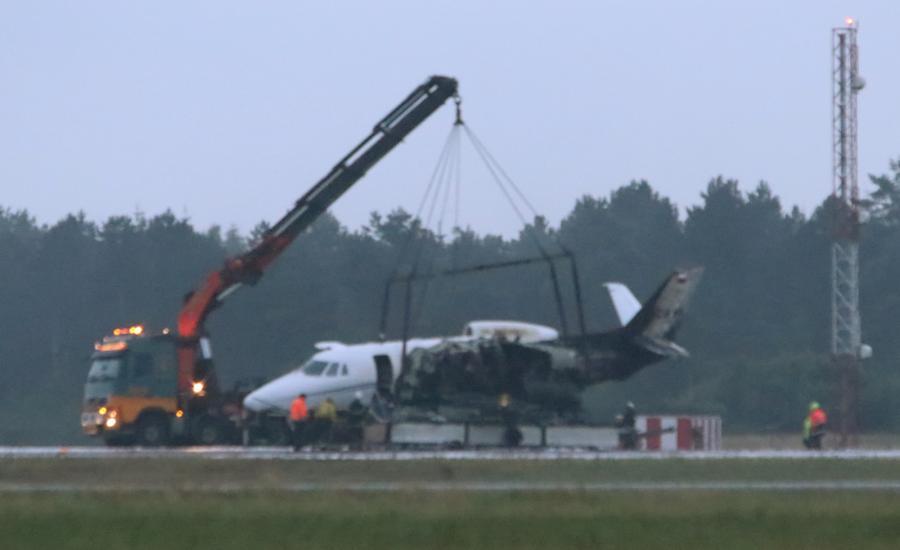 Wrak rozbitego samolotu ekipy techicznej Pink na lotniksu w Aarhus