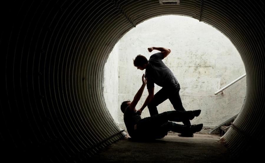 Bójka w tunelu