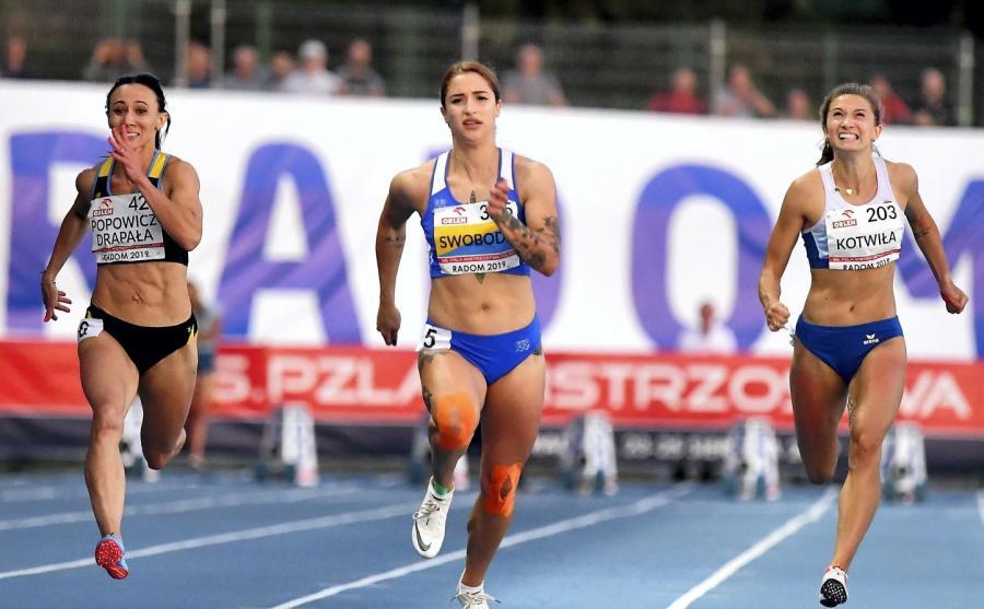Od lewej Marika Popowicz-Drapała, Ewa Swoboda i Martyna Kotwiła