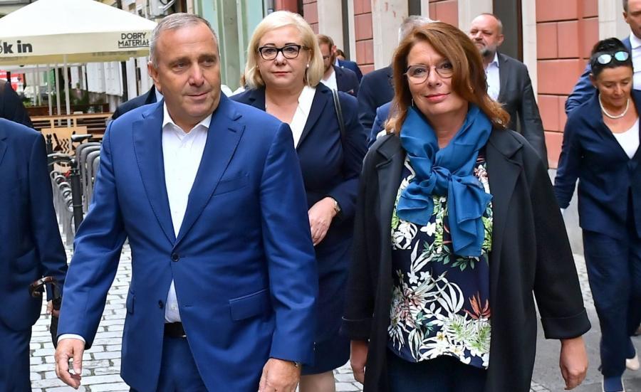 Przewodniczący PO Grzegorz Schetyna, kandydatka KO na premiera Małgorzata Kidawa-Błońska