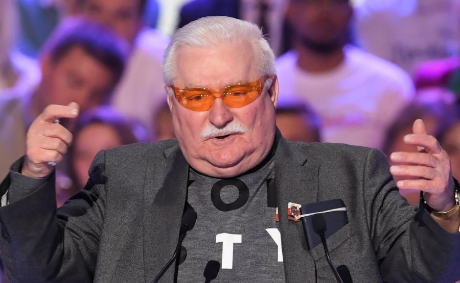 Lech Wałęsa podczas konwencji KO