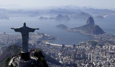 Pomnik Chrystusa w Rio de Janeiro. Monument w Świebodzinie ma od niego 6 metrów wyższy