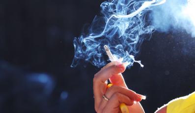 Grecy znów mogą palić w restauracjach