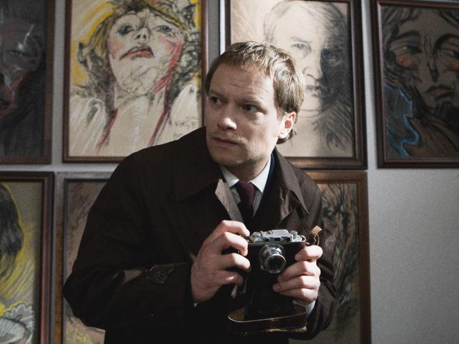 Syn Jerzego, Maciej Stuhr także nie ma wśród internautów wrogów. Nikt nie zarzucał mu, że robi karierę na plecach słynnego taty