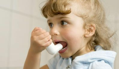 Jak pomóc dziecku z astmą?