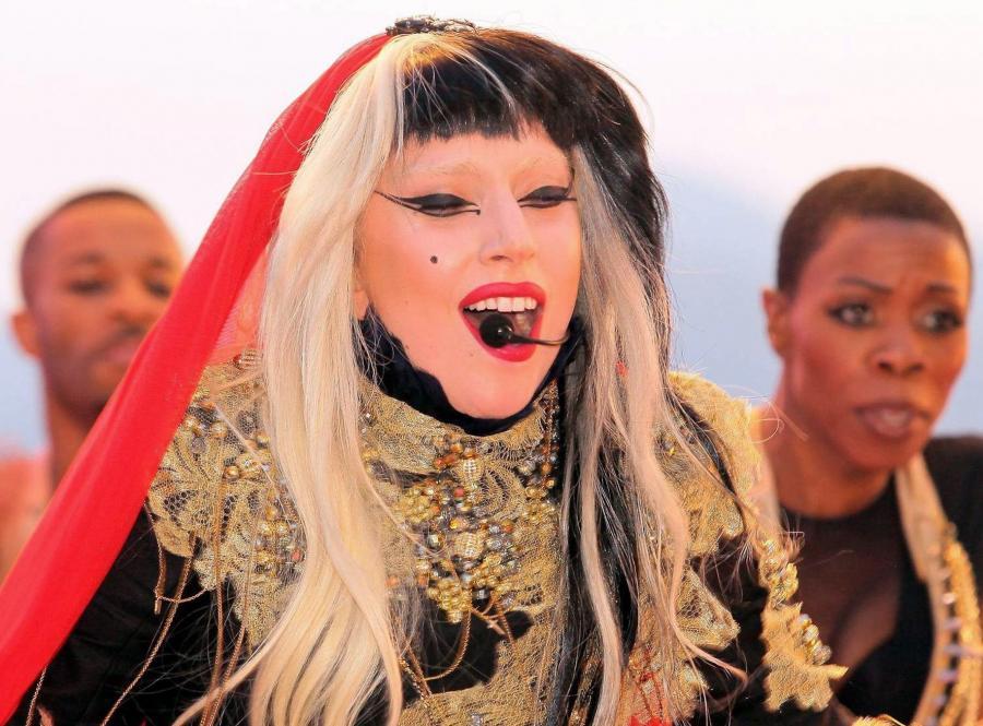 A tak w Cannes zaprezentowała się Lady Gaga...