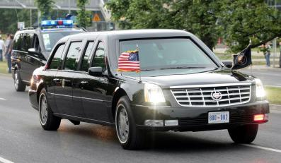 Obama jedzie do hotelu