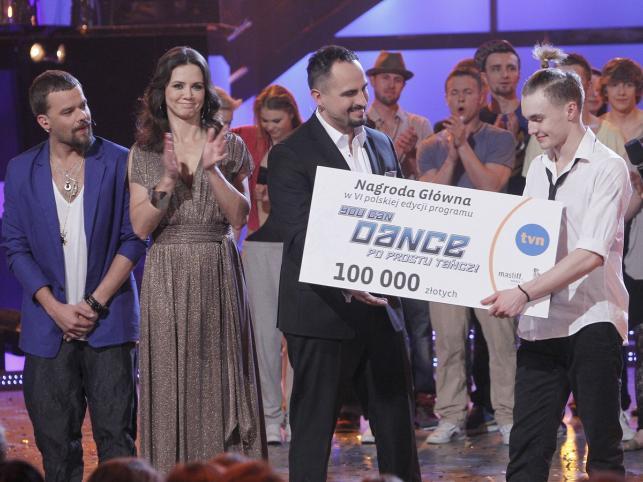 """VI edycję programu """"You Can Dance"""" wygrał Dominik Olechowski"""