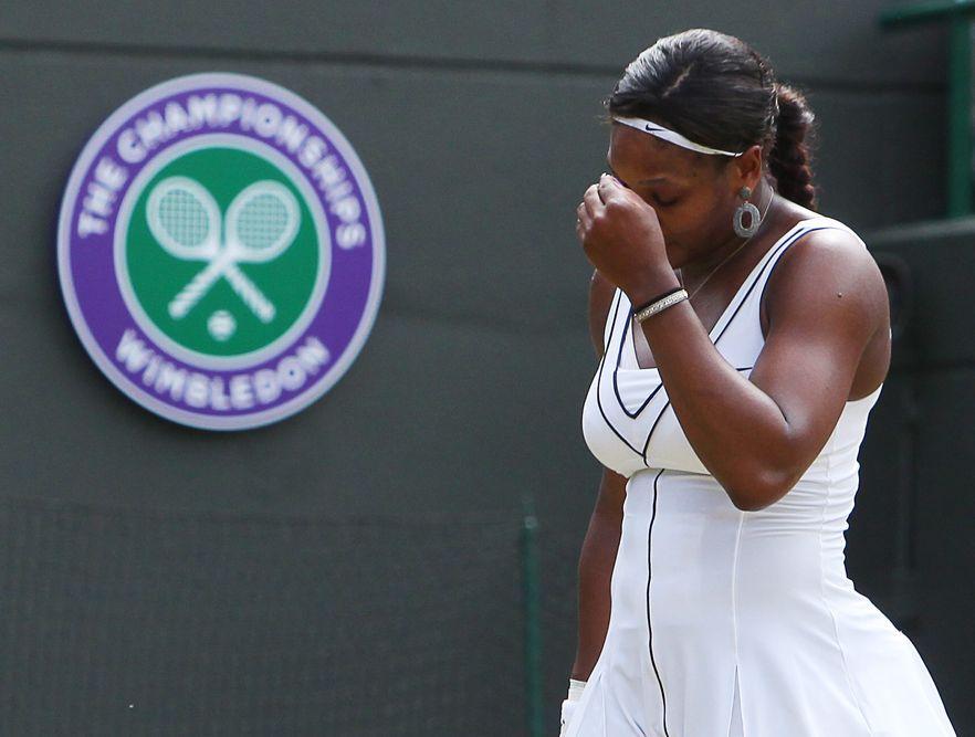 Serena Williams za burtą Wimbledonu. Przegrała z Francuzką Bartoli