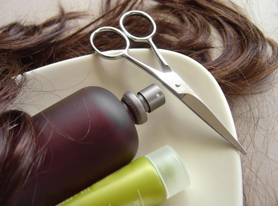Przybory fryzjerskie - zdjęcie ilustracyjne