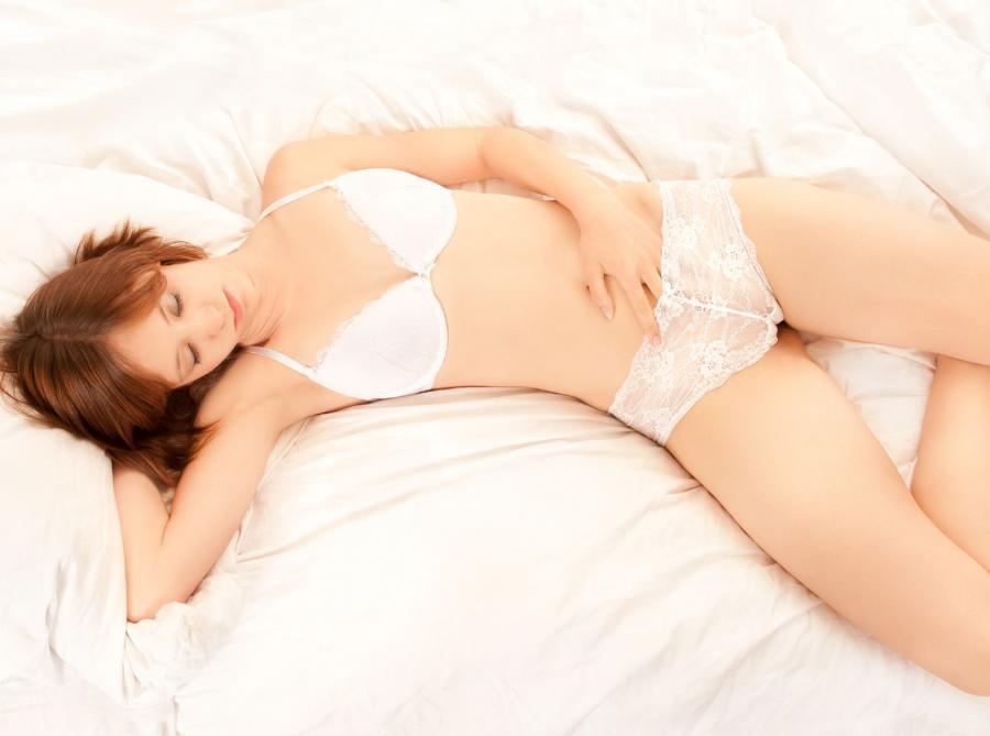 Kobiety częściej niż o swoich partnerach, śnią o celebrytach