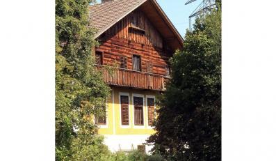 Dom, w którym mężczyzna więził córki