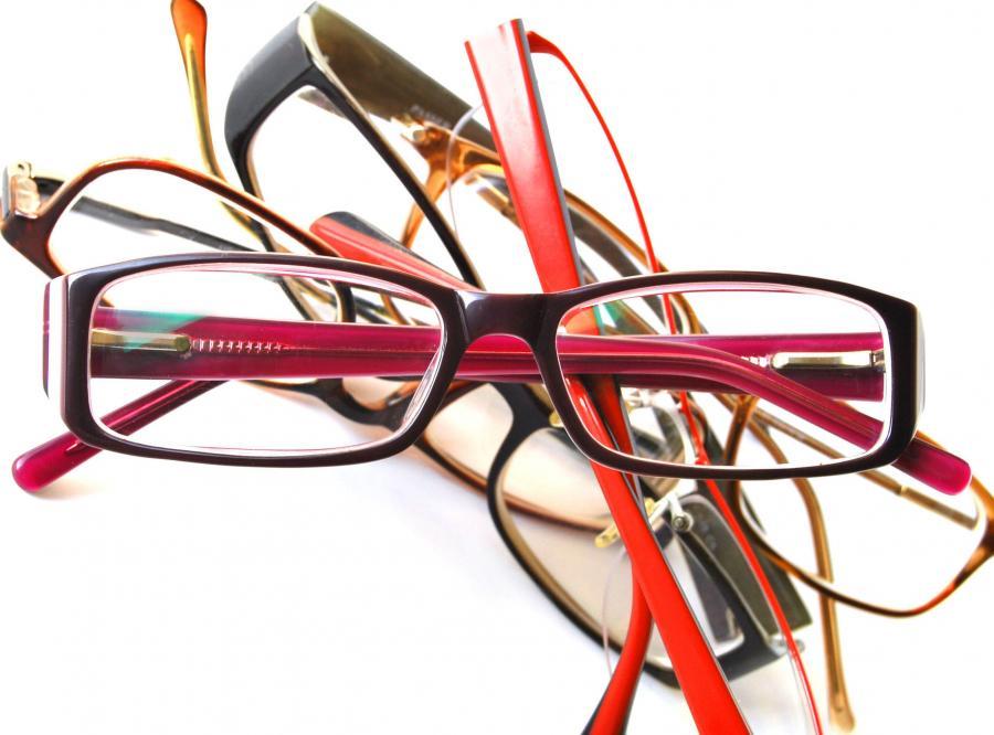 Objawy, że trzeba zacząć nosić okulary
