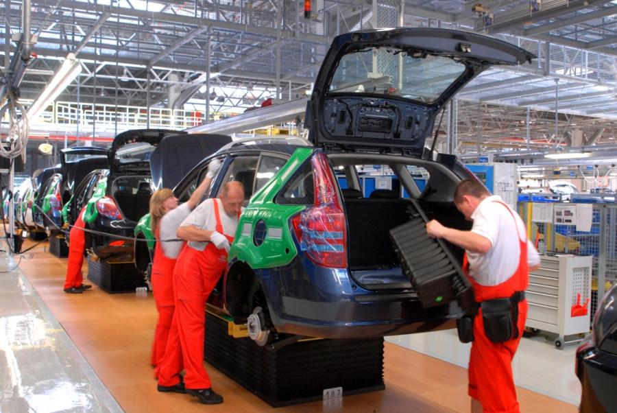 Kia na wysokich obrotach! Od stycznia do końca sierpnia Polacy kupili niemal 2700 modelu cee\'d