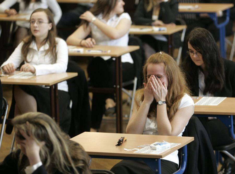 W weekend egzaminatorzy rozpoczną sprawdzanie prac maturalnych z języka polskiego