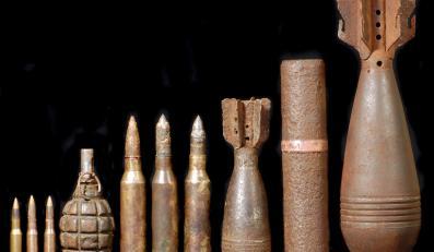 Żołnierze mają się zająć niebezpiecznymi znaleziskami pochodzenia wojskowego, a strażacy materiałami zawierającymi groźne substancje chemiczne