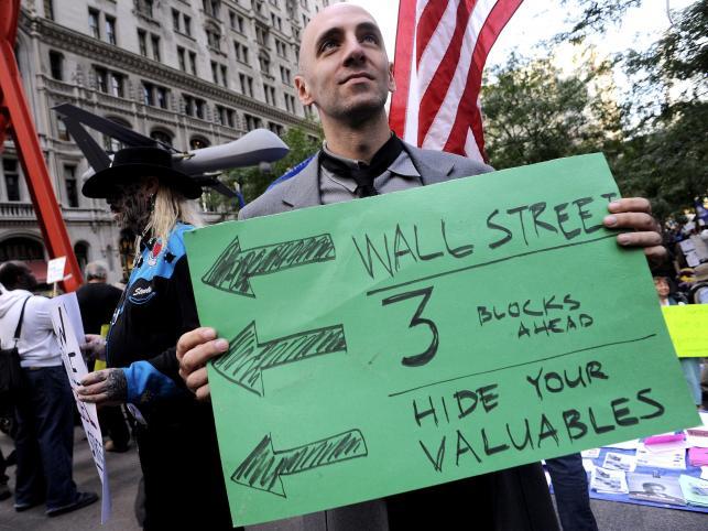Demonstrantów na Wall Street jest coraz więcej